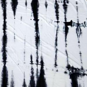 针织棉麻手工扎染 成份: 55%亚麻 45%棉 幅宽:170cm   2米起调  详情联系公司微信:18922191225