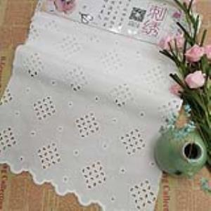 [可免费领取]02067 经典对称双向双波边人丝布菱形镂空刺绣面料